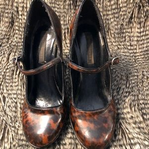 Tortoiseshell Simple Strap Heel